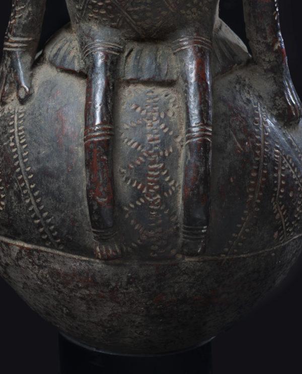 Contenitore brocca in terracotta R.D.C. Mangbetu P0048 - Art Primitivo e contemporaneo - gallery Arts - arte primitiva africa - tribal art - shop - spoleto umbria